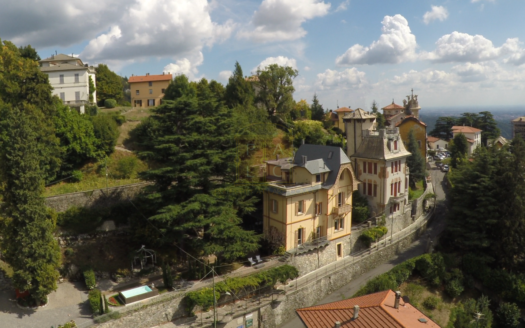 Stupenda villa liberty a Brunate