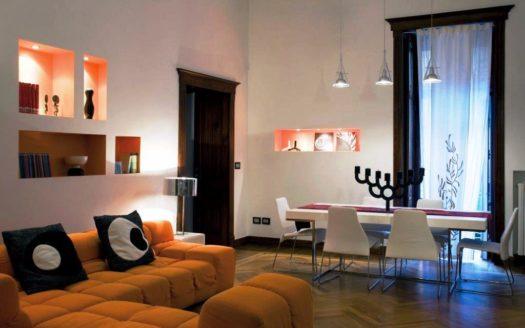 Interni di un appartamento nel cuore di Napoli