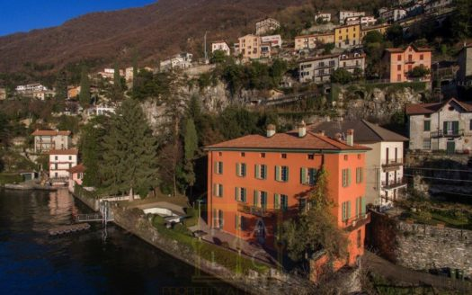 Renovated Lakeside Villa with Swimming Pool and Boathouse