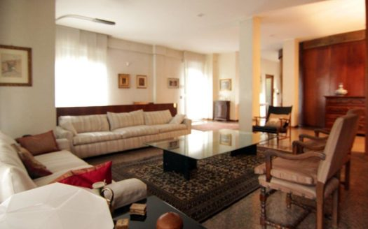 Appartamento con giardino in vendita Milano via Palatino