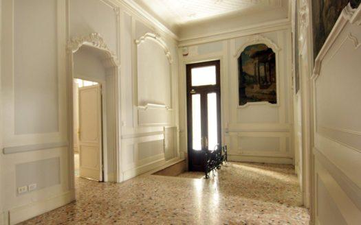 Office for rent Milano via Monte di Pietà