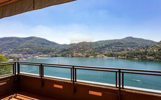 penthouse con vista lago