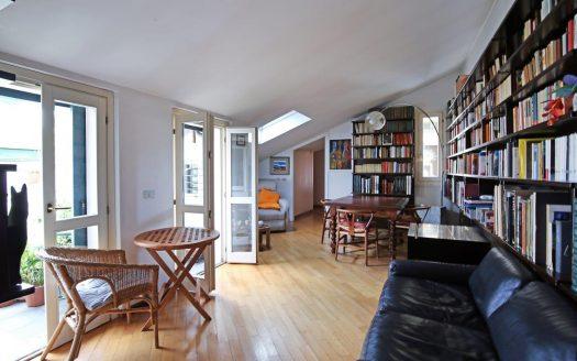 Appartamento in vendita Milano via Scaldasole