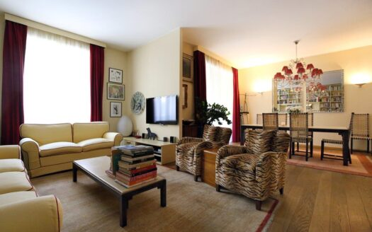 Appartamento in vendita Milano via Ciro Menotti
