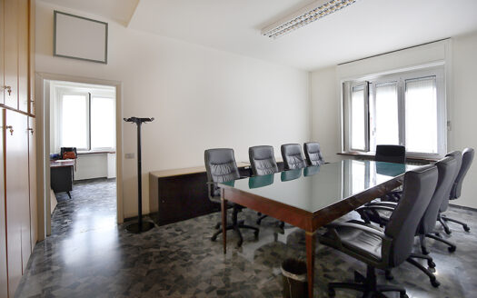 Ufficio in affitto Milano via Fontana